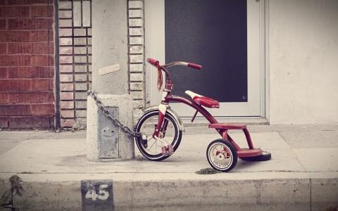 three-wheeler-336700_1280